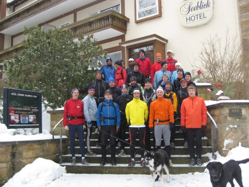 die Trainingsgruppe mit Vorläufern am Sonntag vor dem Lauf